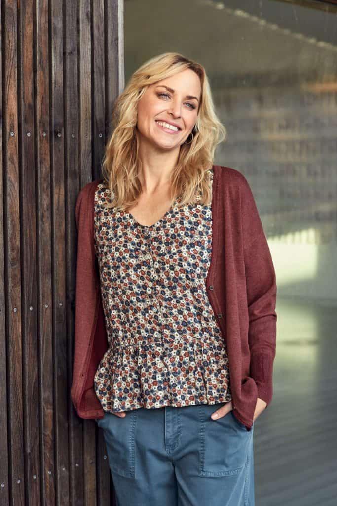 cardigan-210970-blouse-212143-pants-212324